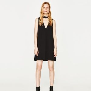 Zara Choker Neck Mini in Size M